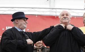 Vicente del Bosque defiende en Villada la pervivencia de tradiciones como la matanza
