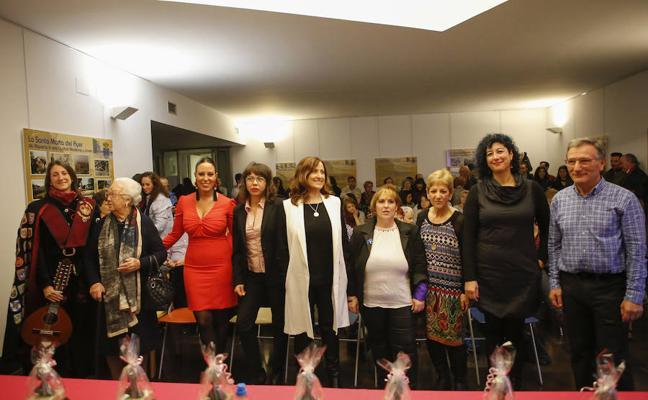 La Asociación Tierno Galván de Santa Marta reconoce la labor de las mujeres salmantinas