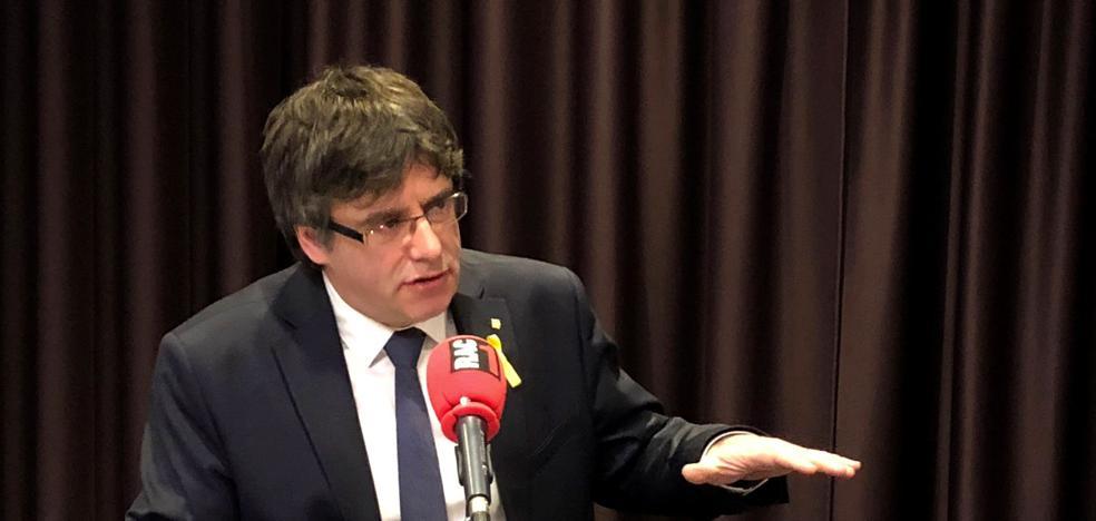 Puigdemont convoca para el miércoles una reunión de los diputados de JxCat en Bélgica