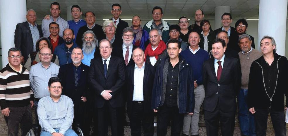 El diálogo social busca soluciones al futuro laboral de la región