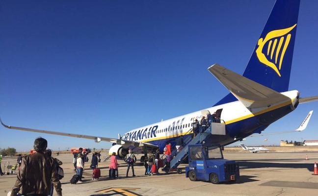Ryanair no pagará a la tripulación que no pudo volar por el mal tiempo