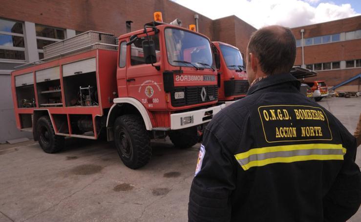 El Ayuntamiento de Valladolid dona dos camiones de bomberos a una ONG del Sáhara