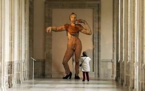 Francisco Leiro muestra sus esculturas gigantes en el Patio Herreriano