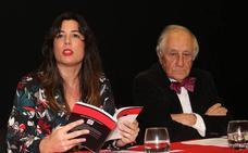 El 'poeta' Inocencio Arias y Victoria Ash recitan sus versos favoritos en el Aula de El Norte