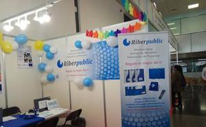 Alumnos de los IES Ribera de Castilla y Arca Real presentan en Barcelona sus empresas simuladas