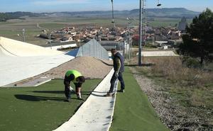 Ecologistas propone que los 125 políticos que aprobaron Meseta Ski paguen «el despilfarro»