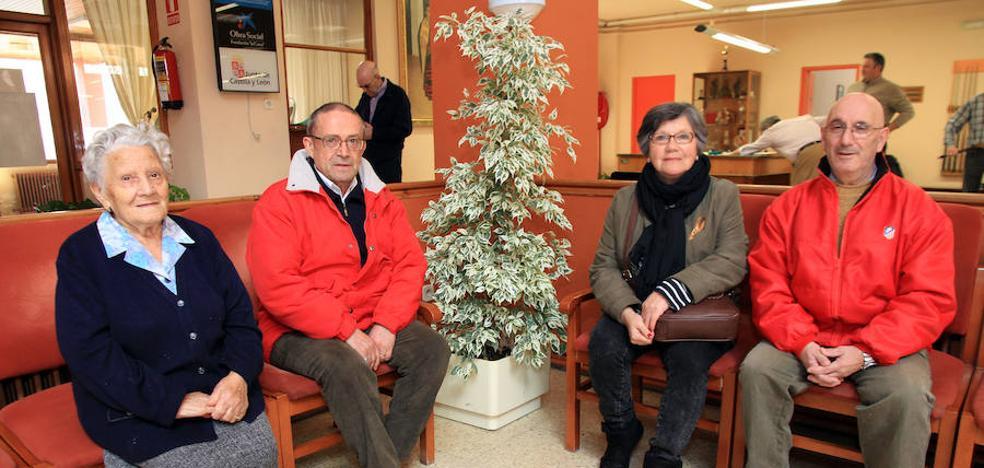 Los jubilados de Segovia reclaman «pensiones dignas» antes que «rescatar a los bancos»