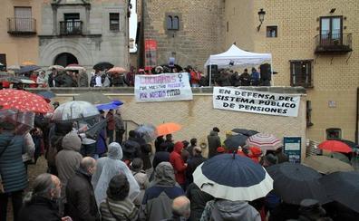 Seiscientos segovianos claman a pie de calle por «unas pensiones dignas»