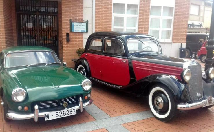 Concenración de vehículos clásicos en Aldeamayor de San Martín