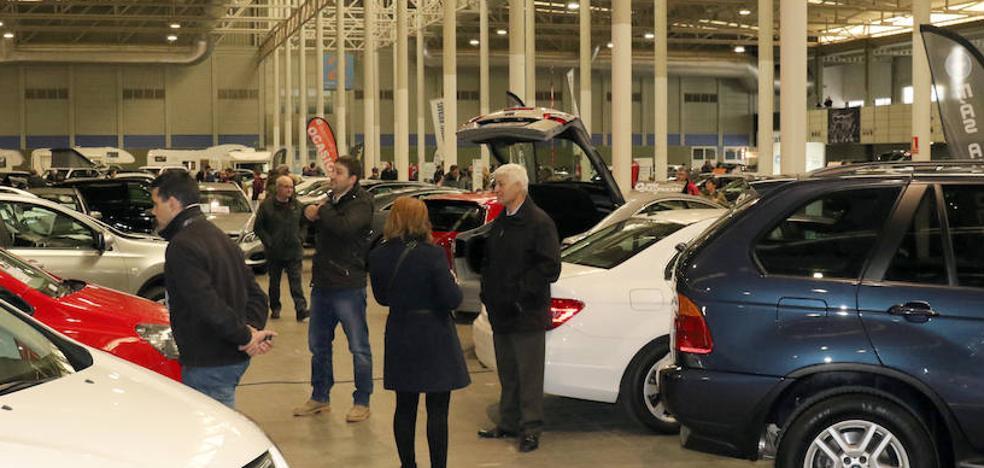 Gran afluencia de público en la Feria del Vehículo de Ocasión de Valladolid