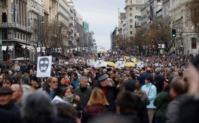 Miles de pensionistas toman Madrid y reclaman al Gobierno una prestación «digna»
