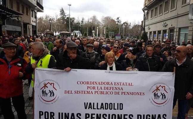 10.000 personas piden en Valladolid unas pensiones dignas para el presente y el futuro