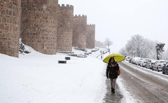 La nieve llega a Castilla y León con un grosor de hasta siete centímetros