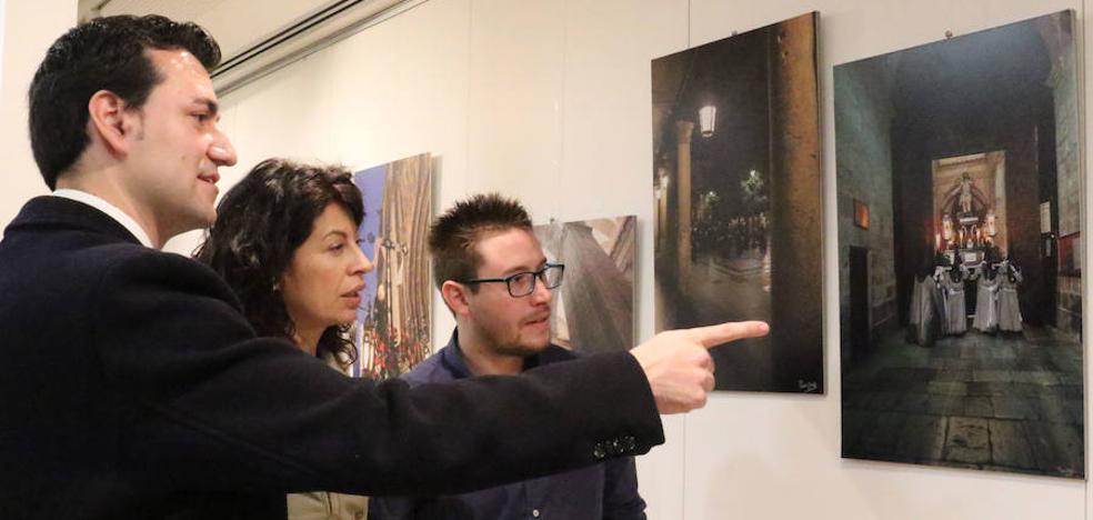 La Oficina de Turismo acoge una exposición de fotografías sobre la Semana Santa