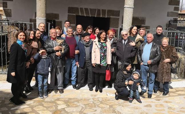 Antonio Conde Gómez celebra su centenario con su familia y con sus vecinos
