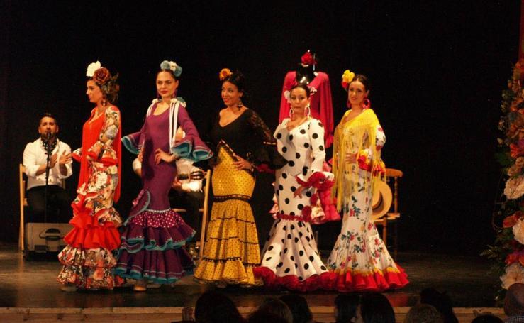 Desfile de moda flamenca a favor de la Fundación Sandra Ibarra en Pedrajas de San Esteban