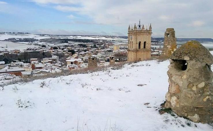 La nieve tiñe de blanco el Cerrato palentino