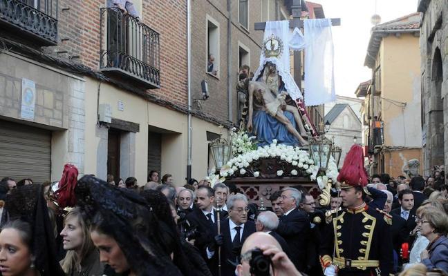 Programa de procesiones del Viernes de Dolores, 23 de marzo, en León