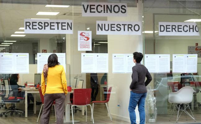 La Federación de Personas Sordas pide un intérprete de signos en su junta vecinal tras un contencioso