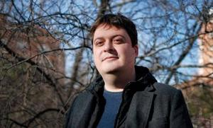 Manuel Bartual, de la novela tuiteada a la ficción convencional