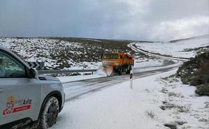 Más de noventa carreteras se han visto afectadas por la nieve en la provincia de Ávila