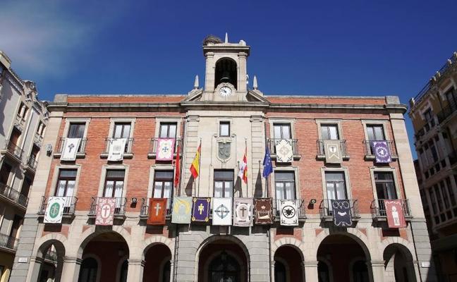 Los reposteros de las cofradías anuncian la Semana Santa en Zamora