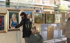La Unión Artística Vallisoletana exhibe sus obras en la Plaza de España