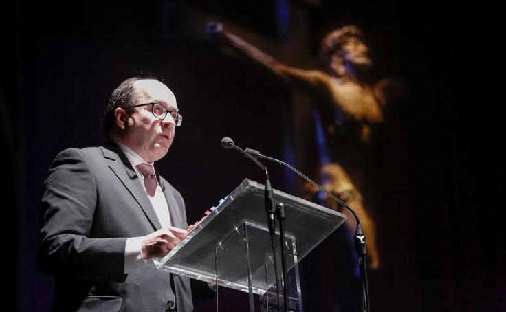Miguel Muiños pronuncia el pregón de la Semana Santa en el teatro Liceo de Salamanca