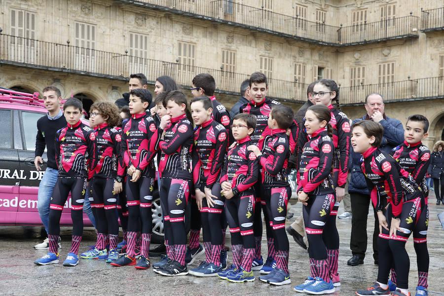 Prresentación de la Escuela de Ciclismo PROMESAL – CAJA RURAL