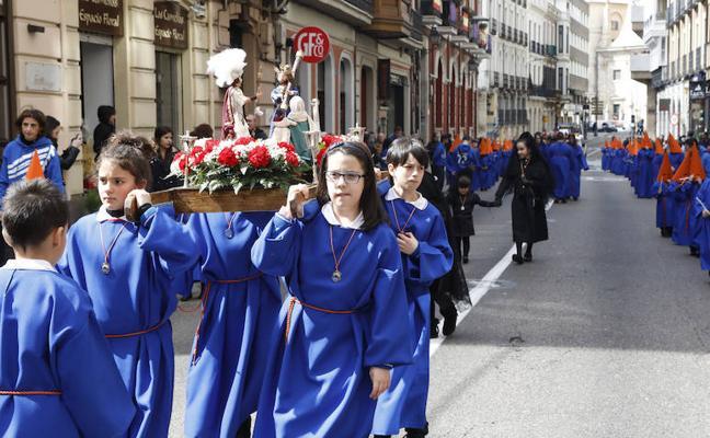 El futuro cofrade de Palencia sale a la calle en la procesión infantil