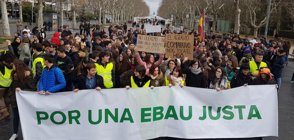 Los estudiantes de Castilla y León reivindican hoy en Valladolid el fin de la «discriminación» a través de una EBAU «única»