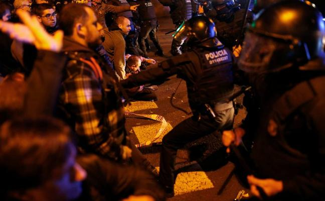 Las protestas de Barcelona terminan con 29 heridos leves