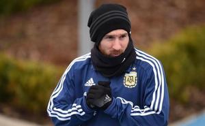 Messi, baja ante Italia, «optimista» para jugar el martes contra España