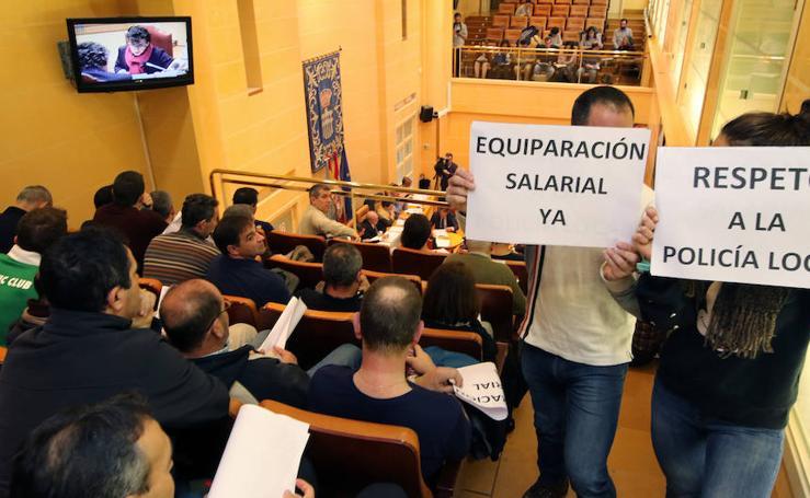 La Policia Local de Segovia interrumpe el pleno del Ayuntamiento