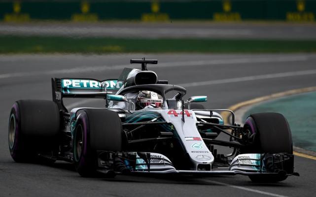 Hamilton comienza marcando terreno