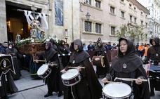 La Piedad perdona los pecados en una procesión única por su XV aniversario