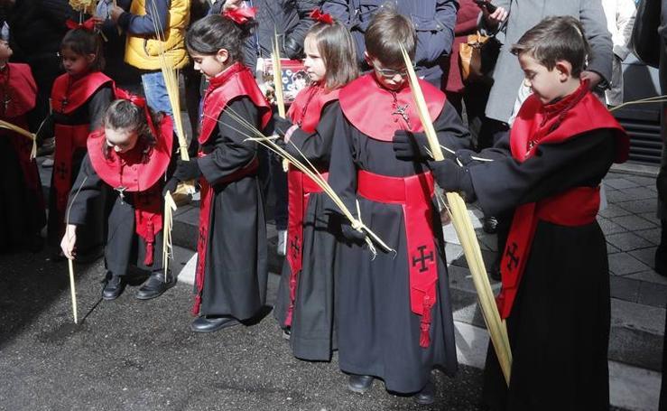 Público en la Procesión del Domingo de Ramos en Valladolid (1/2)