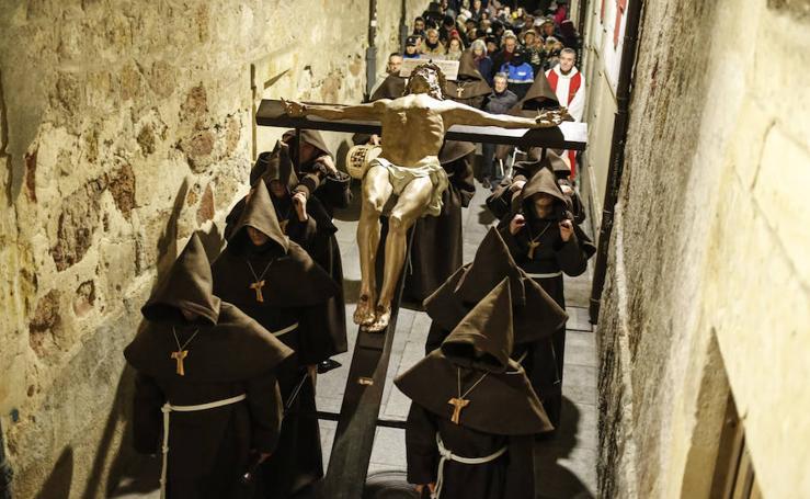 Procesión del Sábado Santo del Cristo de la Humildad en Salamanca