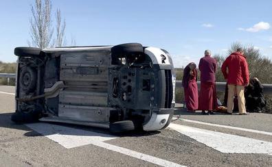 Dos heridos tras volcar una furgoneta en la A-6 a la altura de Tordesillas