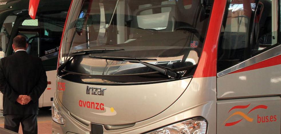 La adjudicataria del transporte a Madrid compra 28 autobuses para empezar a funcionar en junio