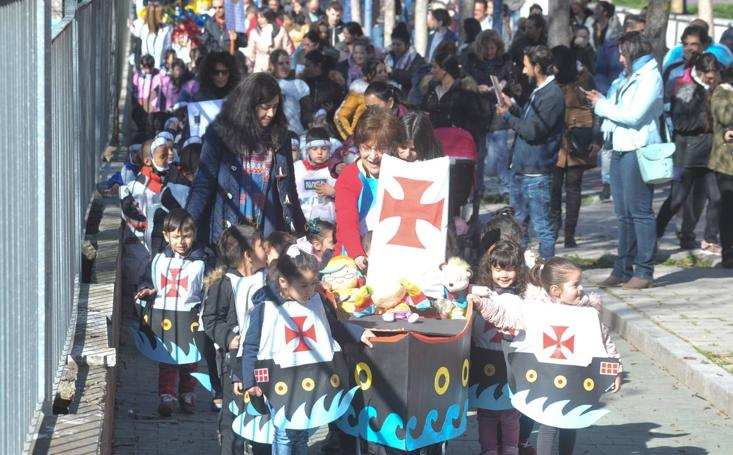 El colegio Miguel Hernández de Valladolid despide su Semana Cultural con un desfile de primavera