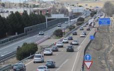 Una colisión entre seis vehículos provoca 15 kilómetros de retenciones en la A-62