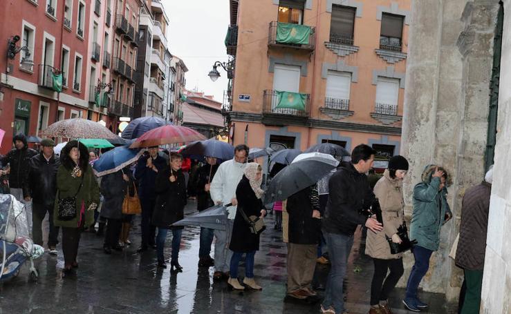 Algunas procesiones fueron suspendidas por las lluvias