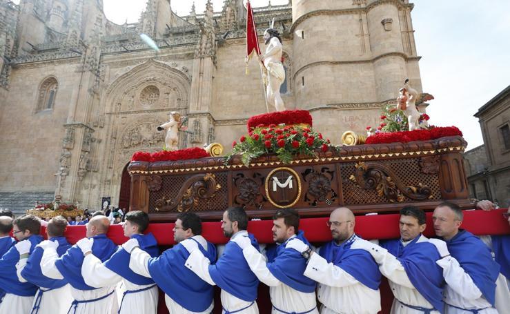 La procesión del Encuentro cierra la Semana Santa salmantina 1/2