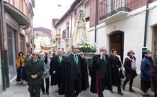 Jesús y María se encuentran en la Plaza Mayor de Carrión