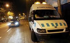 Juzgan a dos hombres por abusar de una mujer en una ambulancia