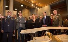Inaugurada la exposición 'Volar. Historia de una Aventura' del Ministerio de Defensa