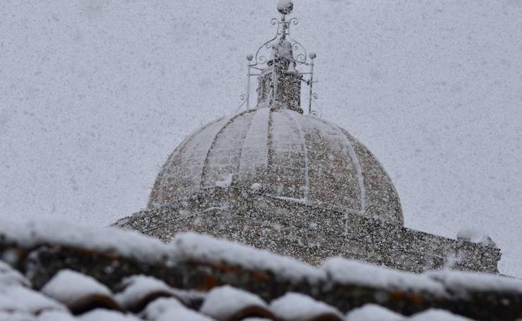 La nieve vuelve a Aguilar