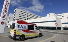 Investigan la caída de una paciente de una ambulancia en marcha