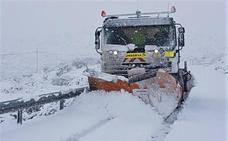 Medio centenar de carreteras de la provincia de Ávila afectadas por la nieve
